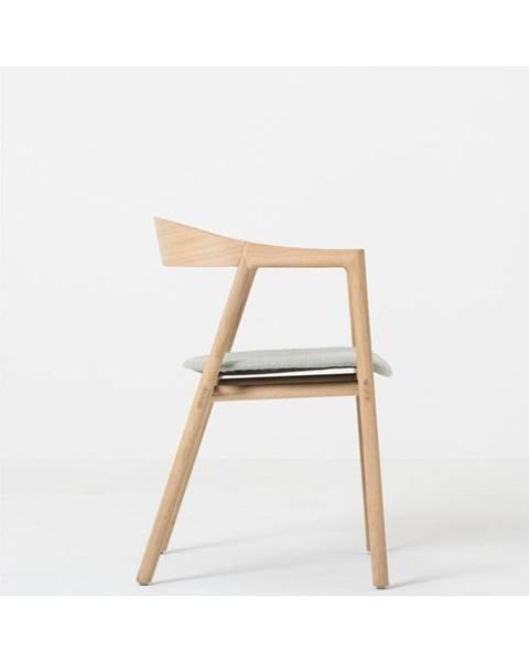 Gazzda Jedálenská stolička z masívneho dubového dreva s modrosivým sedadlom Gazzda Muna