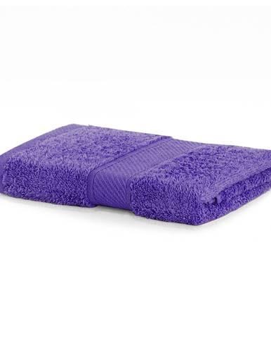 Tmavofialový uterák DecoKing Bamby, 50×100 cm